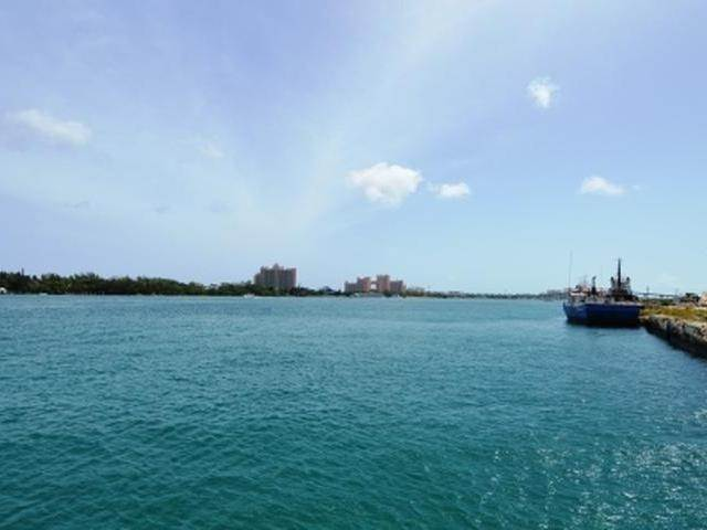 15. Commercial for Rent at Downtown, Nassau And Paradise Island Bahamas