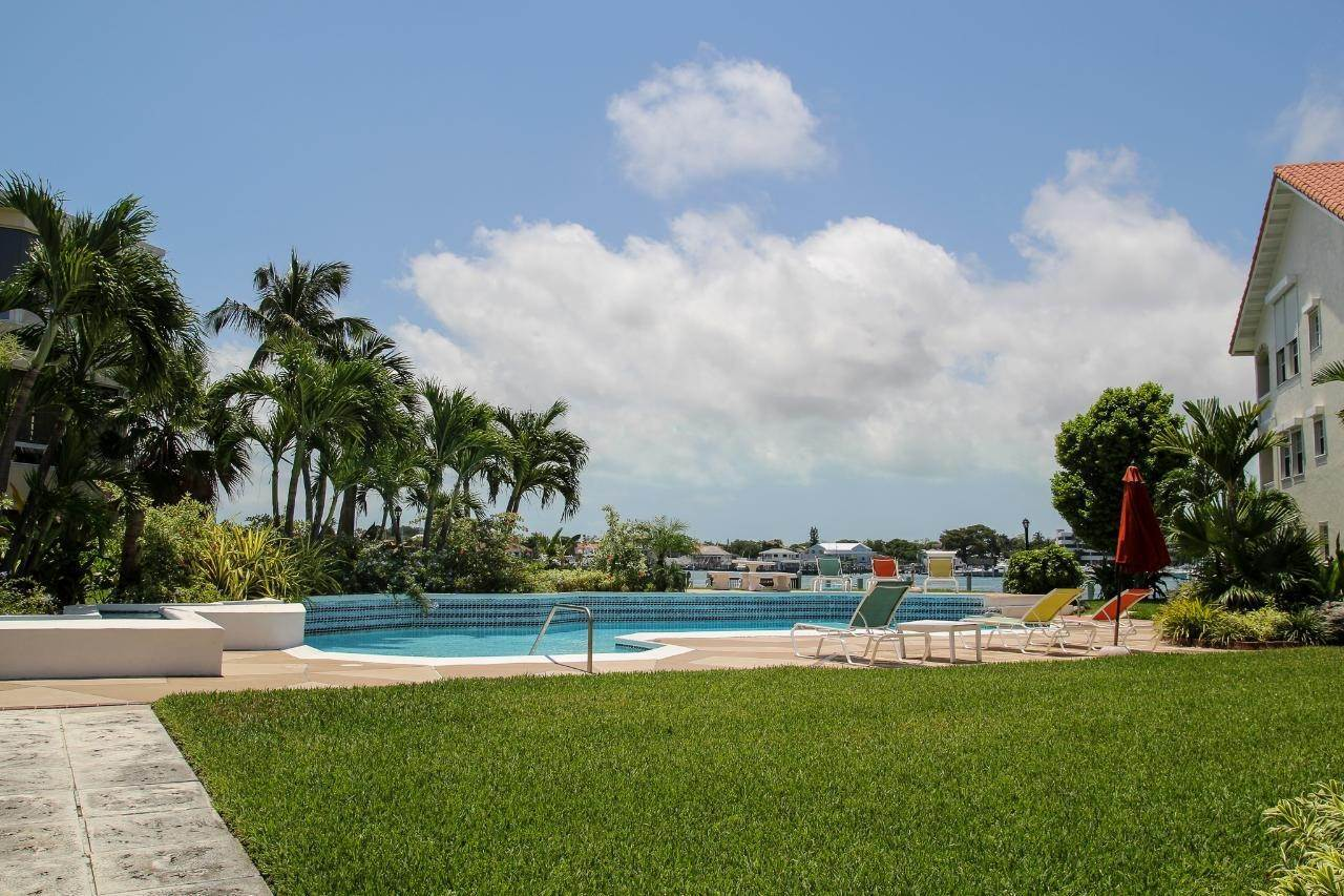 32. Condominiums for Rent at Paradise Island, Nassau And Paradise Island Bahamas