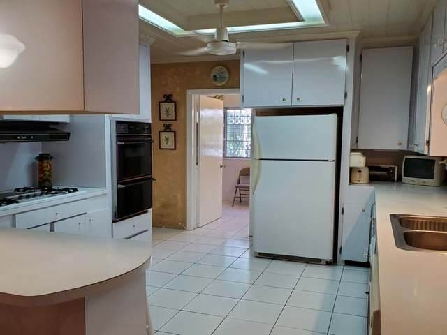 5. Single Family Homes for Rent at Monastery Park, Nassau And Paradise Island Bahamas