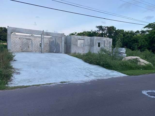 Single Family Homes for Sale at Prince Charles Drive, Nassau And Paradise Island Bahamas