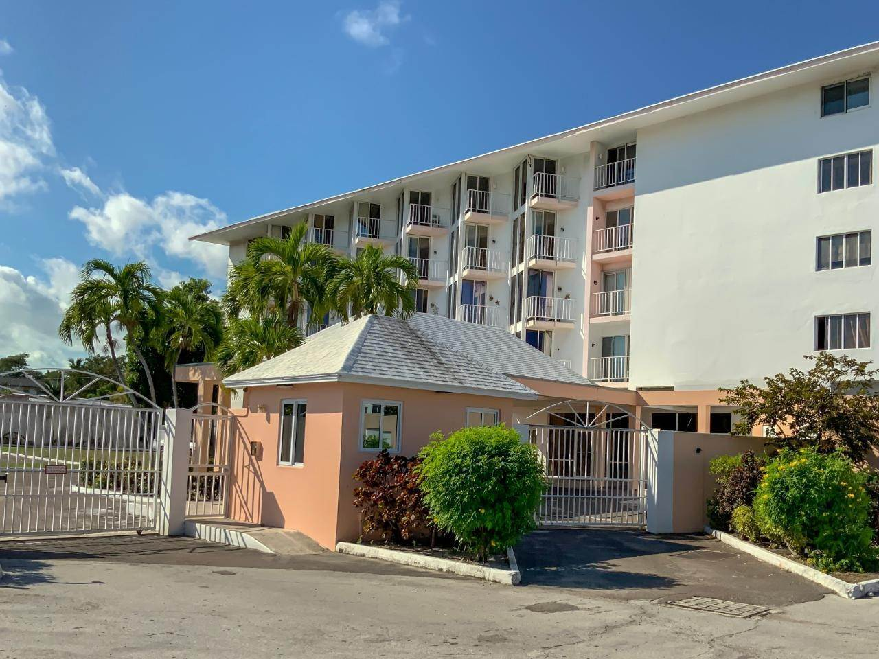 Condominiums for Rent at East Bay Street, Nassau And Paradise Island Bahamas