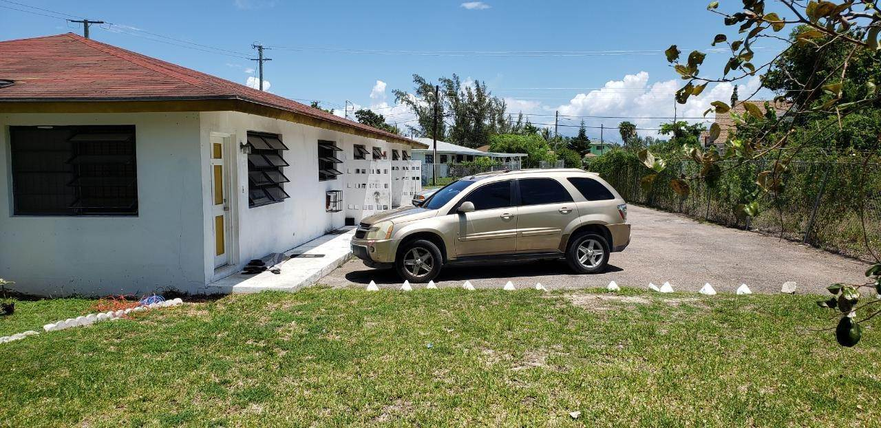 Multi-Family Homes por un Venta en Sea Breeze, Nueva Providencia / Nassau Bahamas