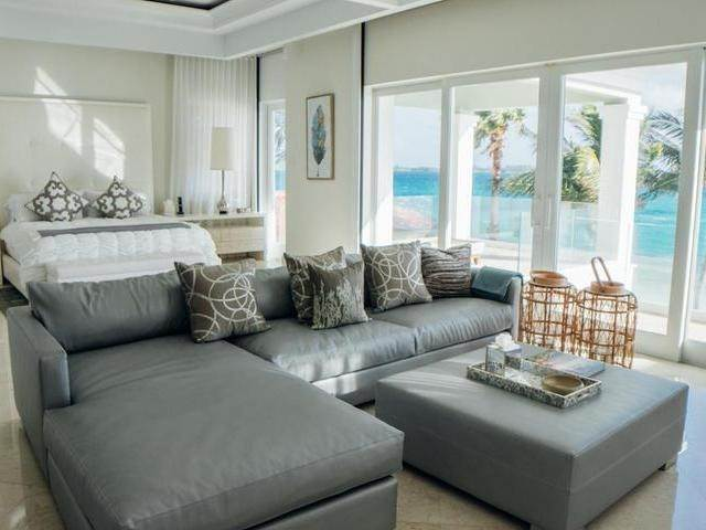 17. Single Family Homes for Rent at Ocean Club Estates, Paradise Island, Nassau And Paradise Island Bahamas