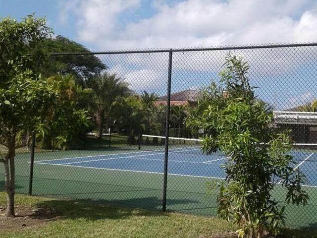 30. Condominiums for Rent at Turnberry, Charlotteville, Nassau And Paradise Island Bahamas