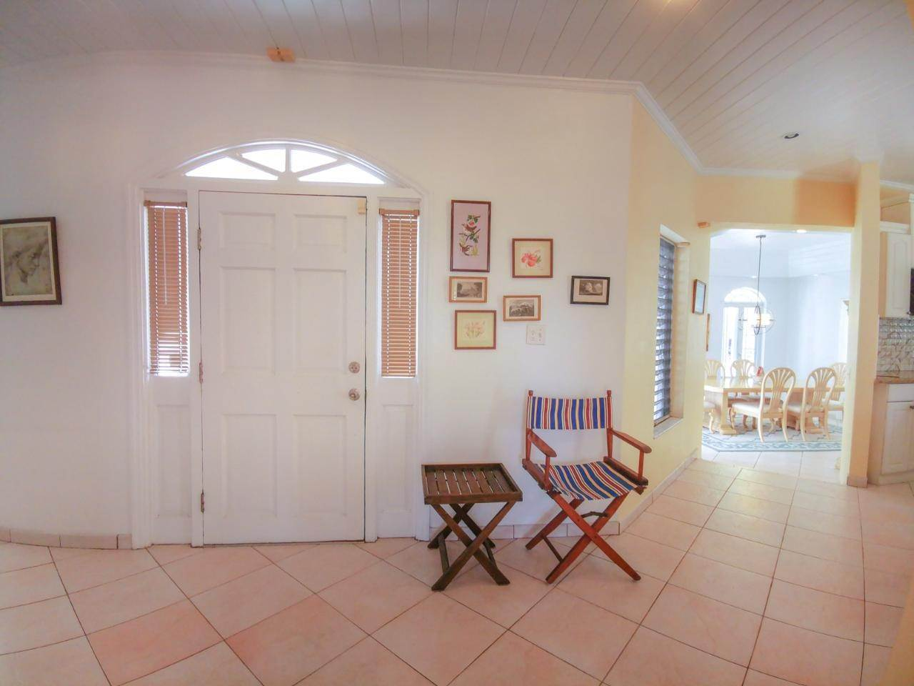 16. Single Family Homes for Rent at Sandyport, Cable Beach, Nassau And Paradise Island Bahamas