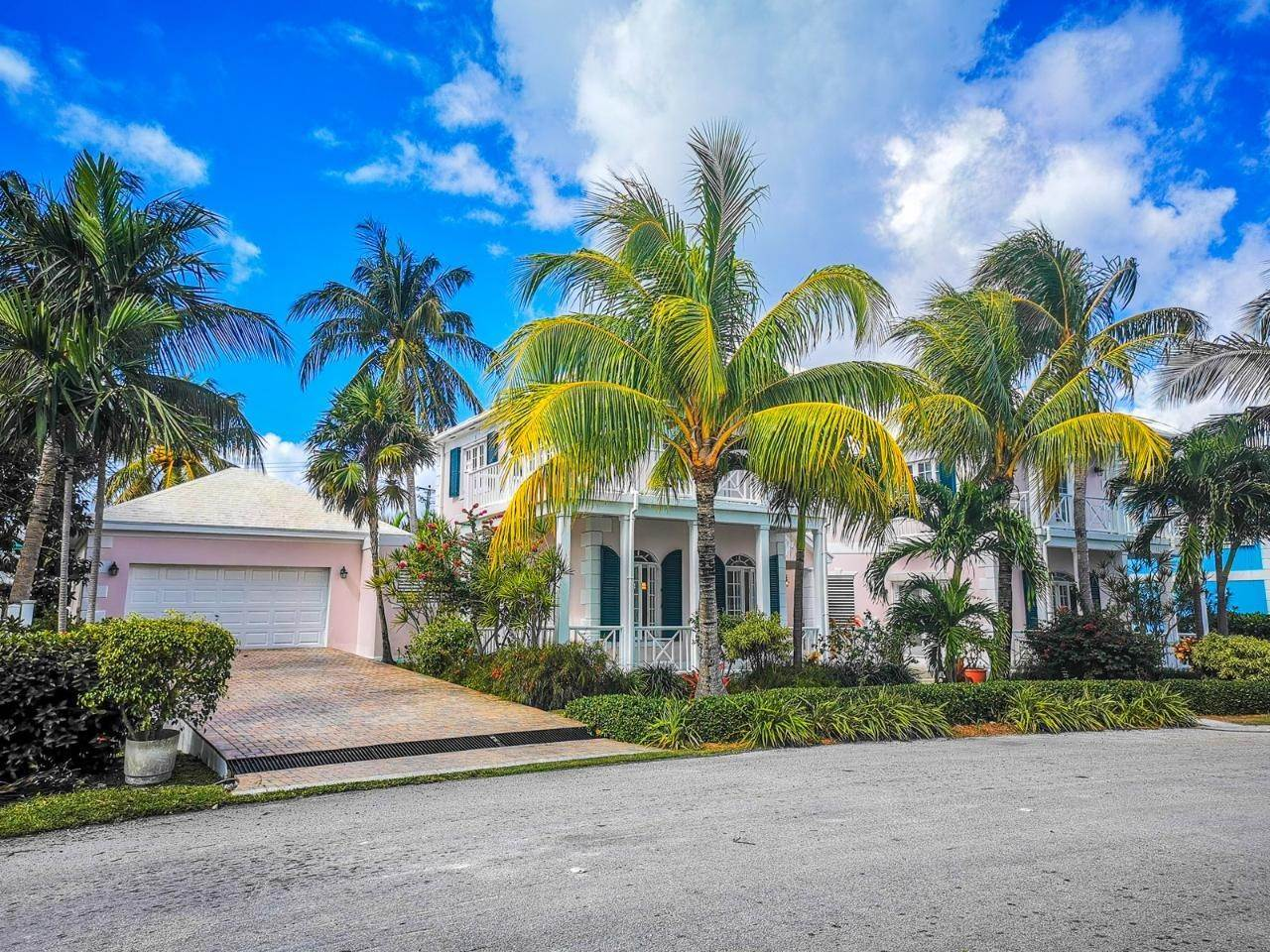 31. Single Family Homes for Rent at Sandyport, Cable Beach, Nassau And Paradise Island Bahamas