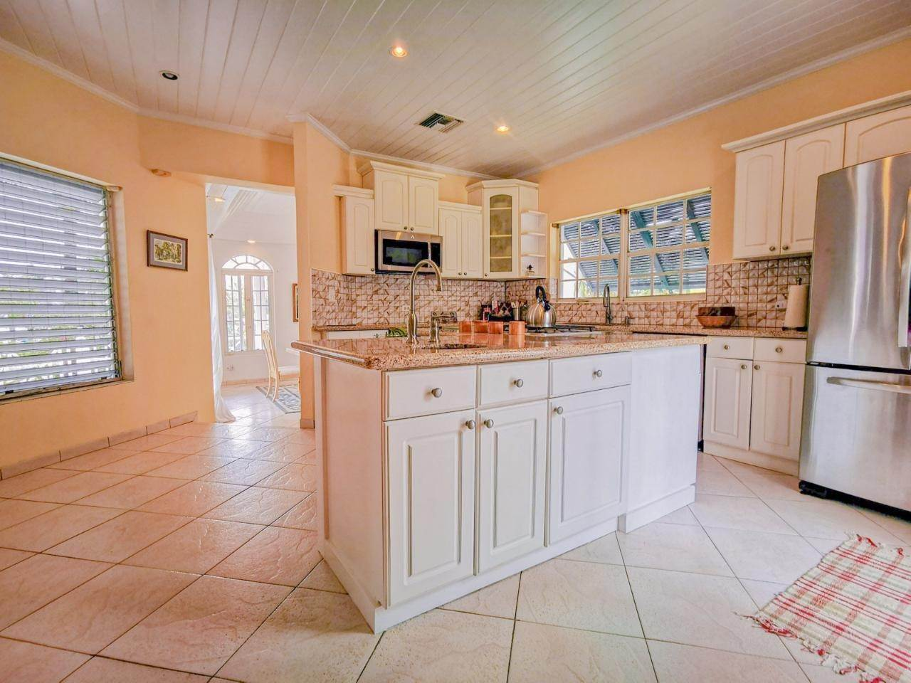6. Single Family Homes for Rent at Sandyport, Cable Beach, Nassau And Paradise Island Bahamas