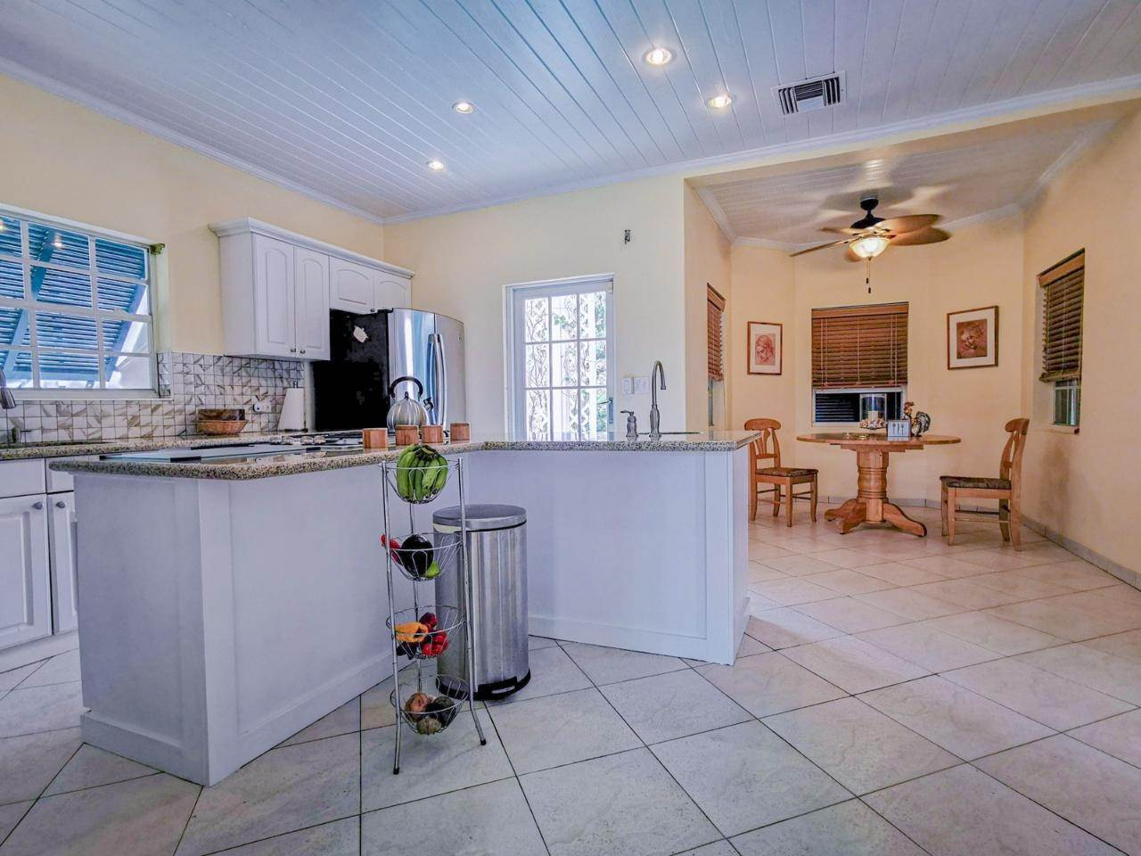 7. Single Family Homes for Rent at Sandyport, Cable Beach, Nassau And Paradise Island Bahamas