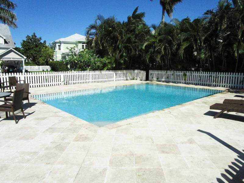 21. Single Family Homes for Rent at Sandyport, Cable Beach, Nassau And Paradise Island Bahamas