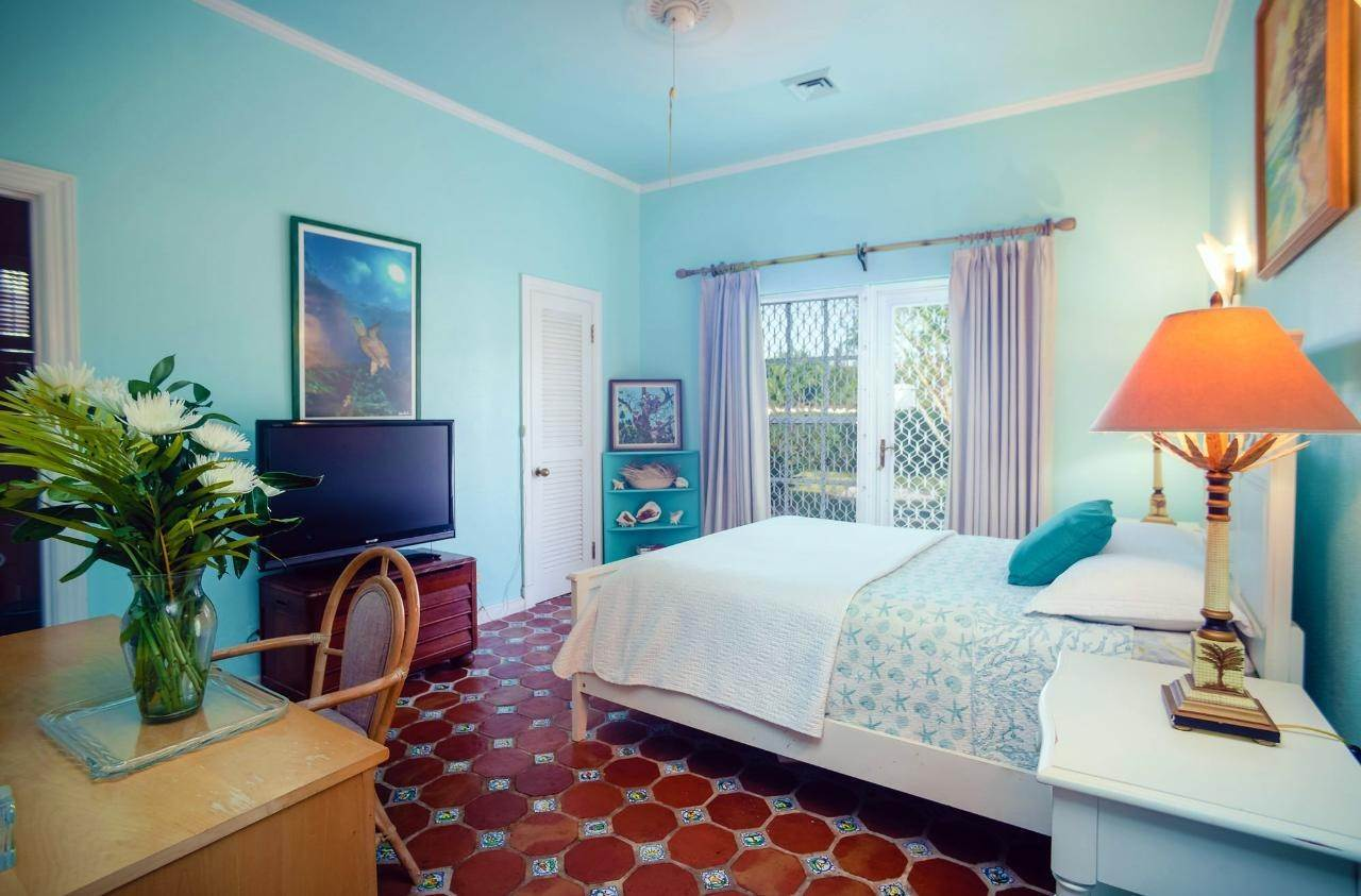 18. Single Family Homes for Sale at Lyford Cay, Nassau And Paradise Island Bahamas