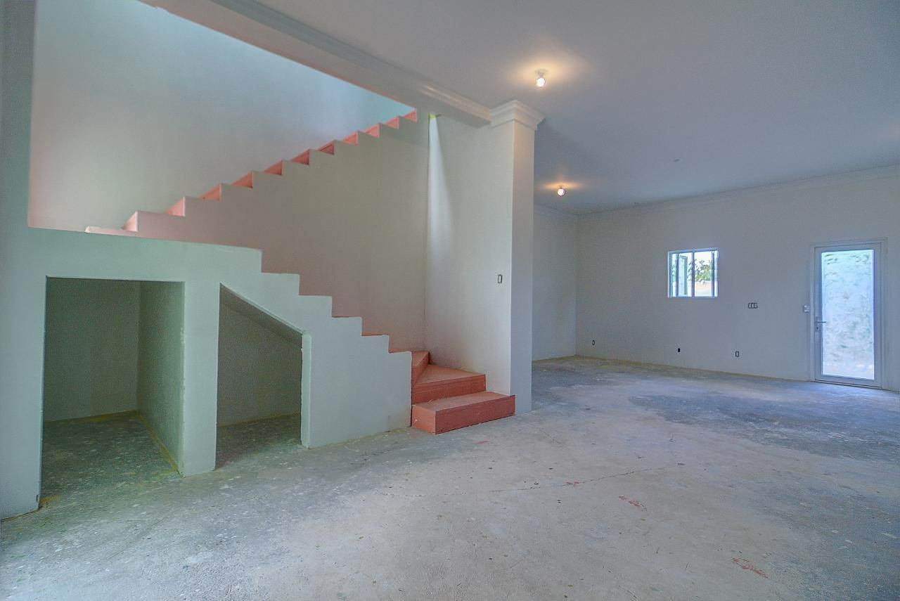 3. Multi-Family Homes for Rent at Bacardi Road, Nassau And Paradise Island Bahamas