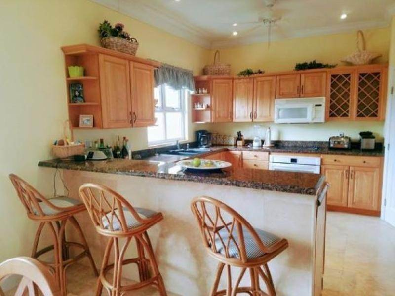 7. Single Family Homes for Rent at Fortune Beach, Freeport and Grand Bahama Bahamas