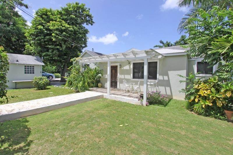 Single Family Homes por un Alquiler en Village Road, Nueva Providencia / Nassau Bahamas