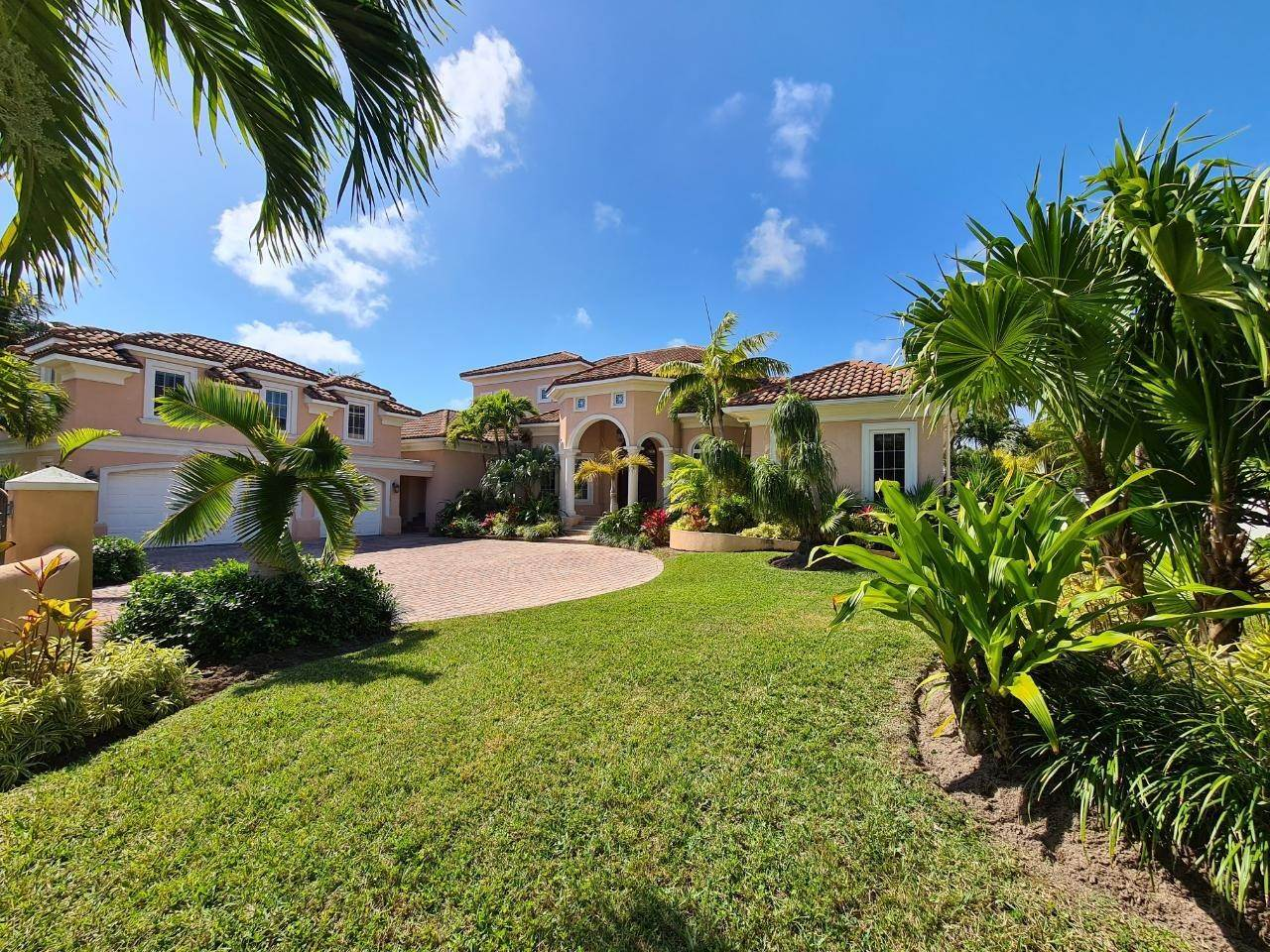 Single Family Homes for Rent at Ocean Club Estates, Paradise Island, Nassau And Paradise Island Bahamas