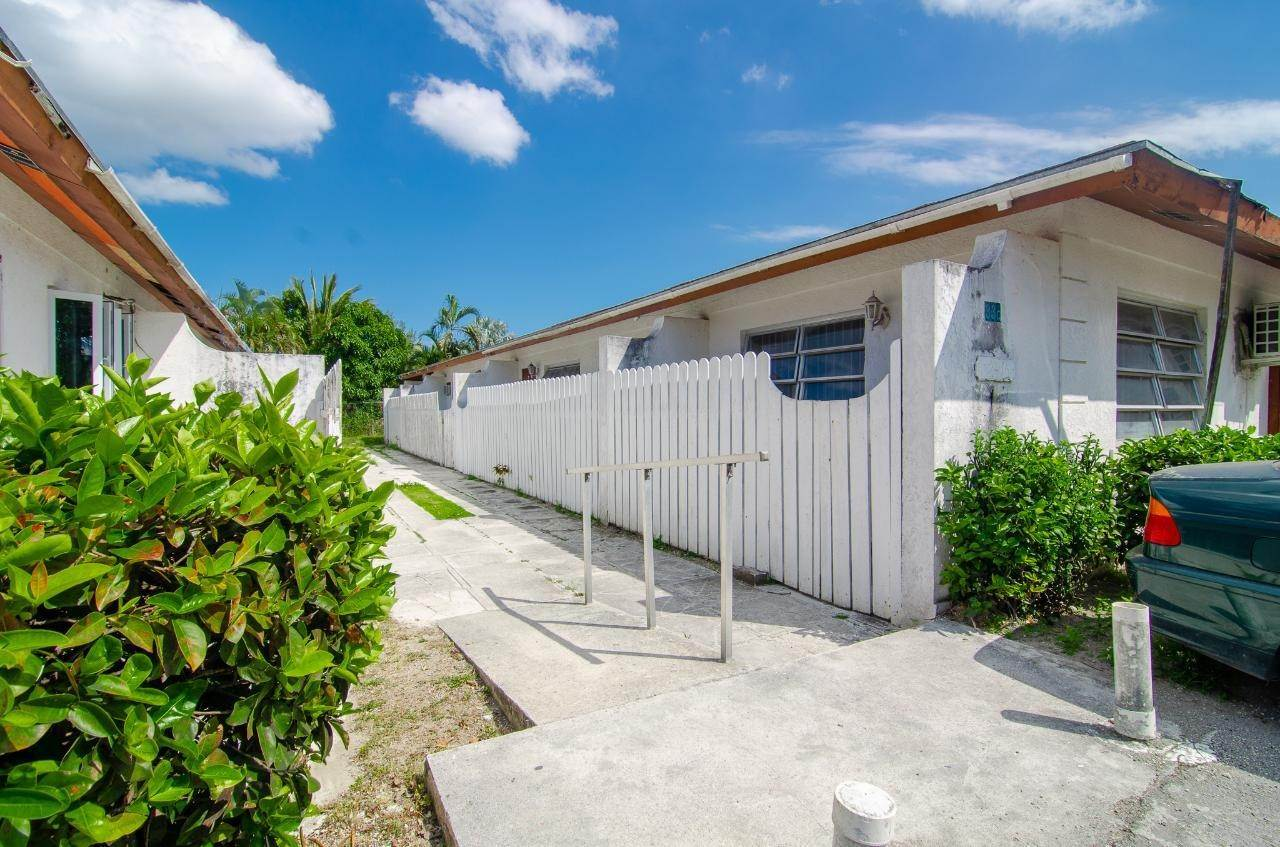 Condominiums for Sale at St Albans Drive, Nassau And Paradise Island Bahamas